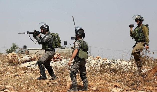 İşgal güçleri Filistin kampını bastı