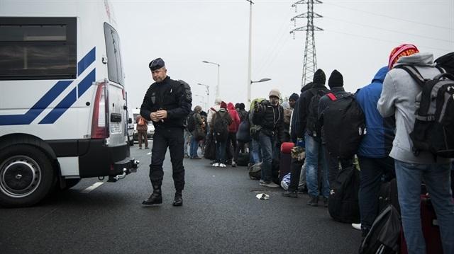 İngiltere'den mülteci çocuklara ret