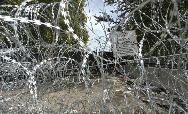 Macaristan'dan Sırbistan sınırına yeni çit