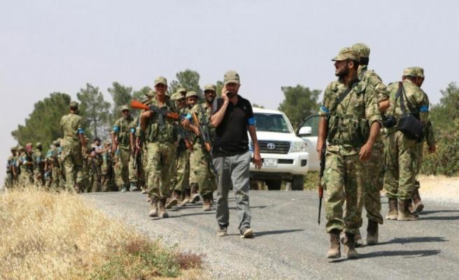 Esad ordusu bombaladı; YPG ele geçirdi