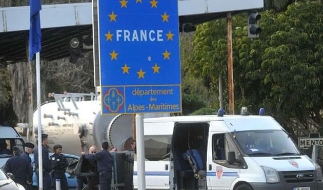 AB, Schengen'de sınır kontrollerini uzattı