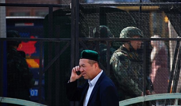 D.Türkistan'da cep telefonu uygulamasına terör suçu