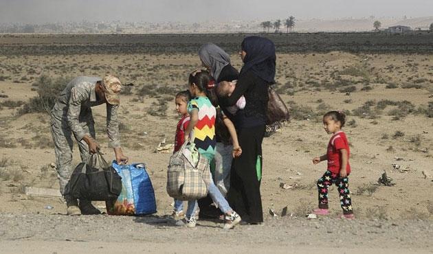 Kuzey Irak'ta 15 bin kişi yerinden oldu