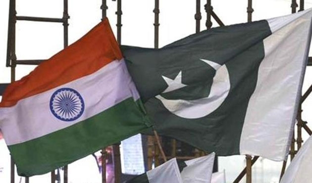 Hindistanlı diplomatlar Pakistan'ı terk etti