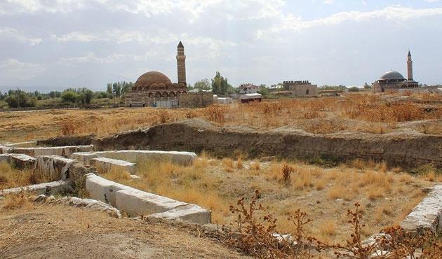 Van'da Osmanlı kamu binaları bulundu