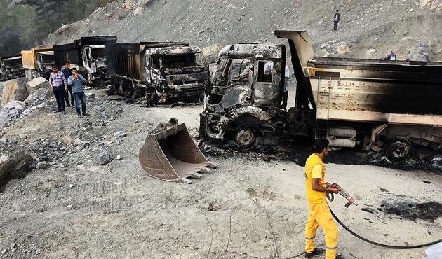 PKK yine iş makinesi ve araç yaktı