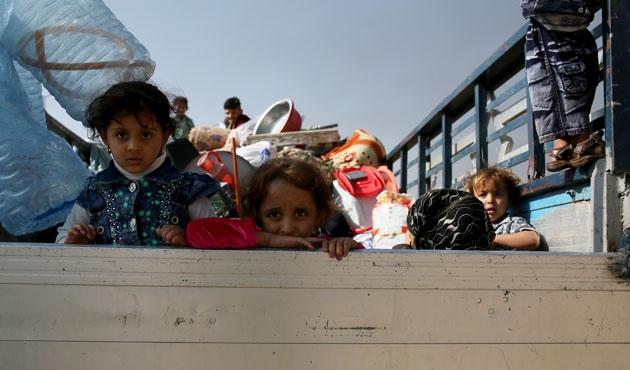 Musul'da siviller kamplara yerleşiyor