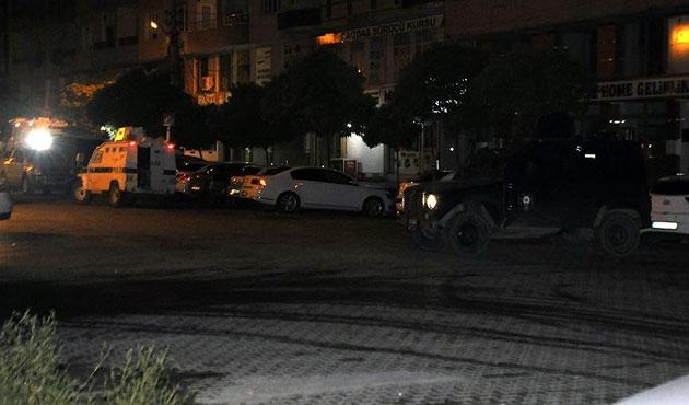 AK Parti binasına saldırıda 9 gözaltı
