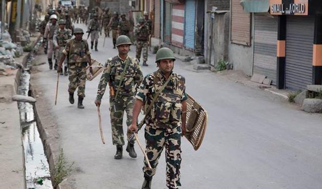 Hindistan-Pakistan gerilimi Keşmirlileri vuruyor