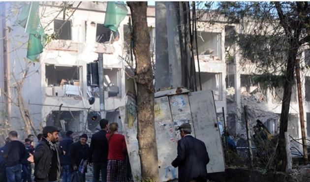 Valilik: Saldırı bombalı araçla düzenlendi
