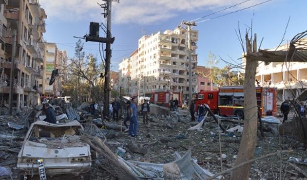 Diyarbakır saldırısında ölenlerin sayısı 9'a yükseldi
