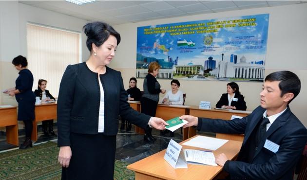 Özbekistan seçimlerinde zorunlu üyelik