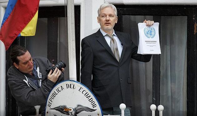 Julian Assange Londra'da sorgulandı
