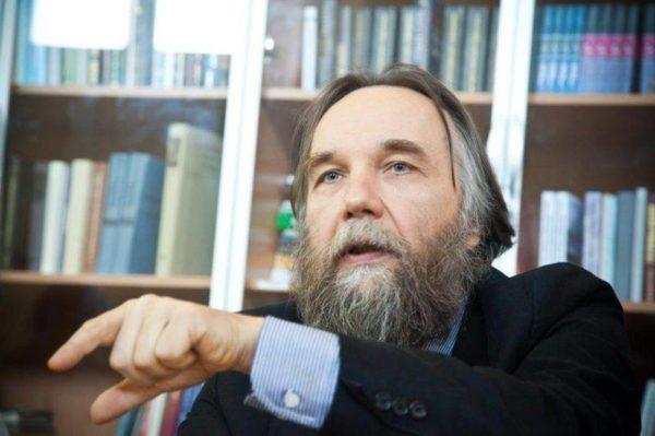 Putin'in danışmanı Dugin: Darbenin arkasında ABD vardı
