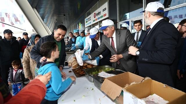 20 bin Başakşehirli festivalde 6 ton balık yedi
