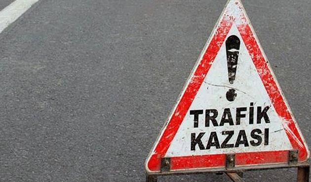 Düzce'de yolcu otobüsü tıra çarptı: 10 yaralı