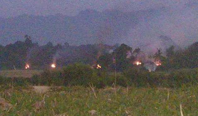 Arakanlıların evlerine hava saldırısı