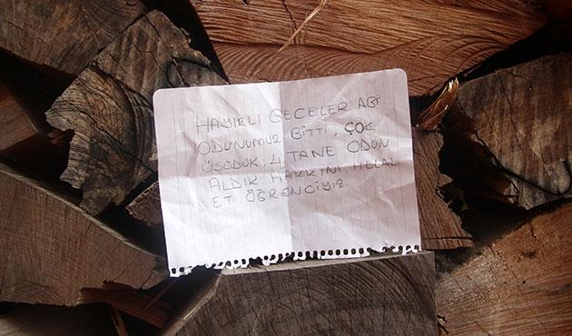 Camiden not bırakarak odun aldılar