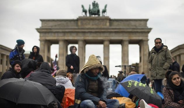 Avrupa 1,5 milyon Afganı geri gönderme hazırlığında