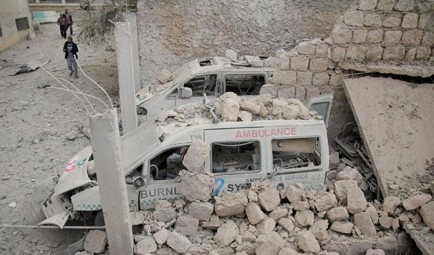 İdlib'de tıp merkezine hava saldırısı