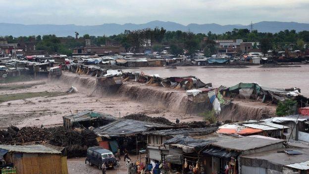 Doğal afetler her yıl 26 milyon kişiyi fakirleştiriyor