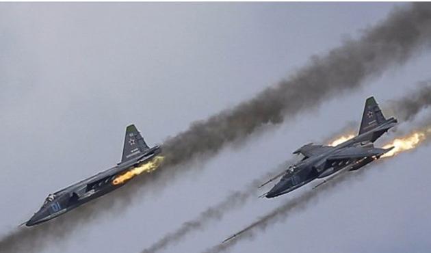 Rusya, İdlib ve Humus'a operasyon başlattı