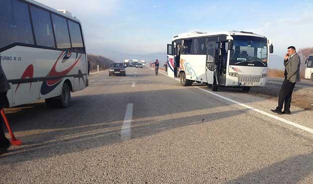 Konya'da iki ayrı kazada 21'i öğrenci 35 yaralı