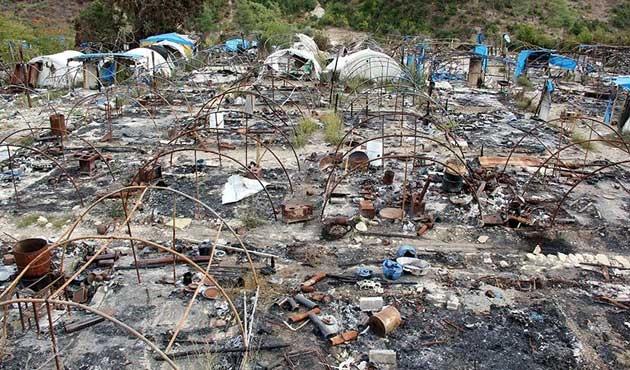 'Esad göç ettirmek için çadırları vuruyor'