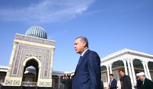Erdoğan'dan, İmam Maturidi Türbesi'ne ziyaret