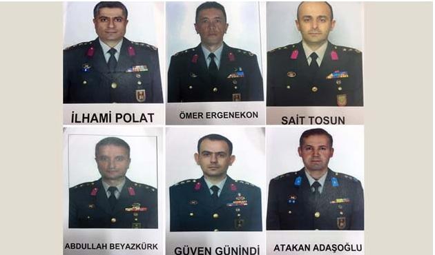 FETÖ'nün firari subayları afişe edildi