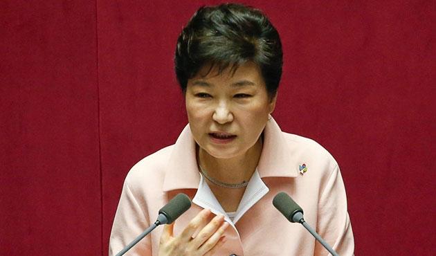 Güney Kore lideri canlı yayında istifasını açıkladı