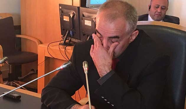 Darbecilerle çatışmada yaralanan albayın gözyaşları