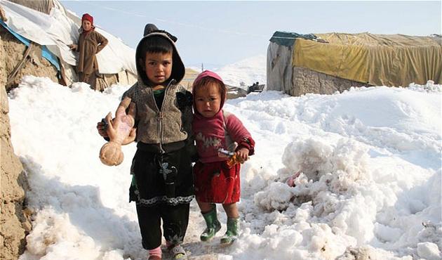 Afganistan'da 20 çocuk soğuk havadan öldü