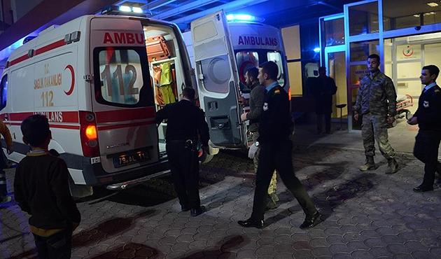 Suriye'de yaralanan dört Türk askeri Kilis'te