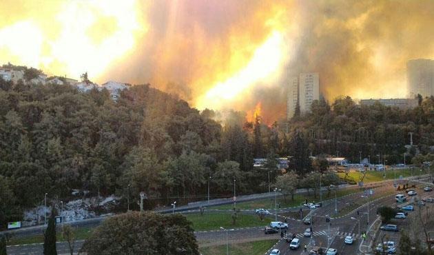 İsrail'de yangınlar büyüyor