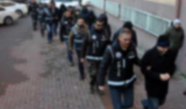 Fatih'te kaçak içki operasyonu; 54 gözaltı