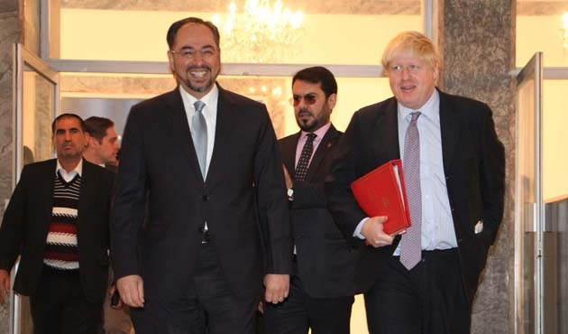 İngiliz Bakan Afganistan'a gitti