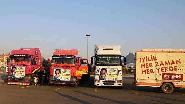 Konya'dan Suriye'ye 3 tır un gönderildi