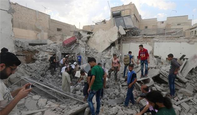 Halep'e yönelik hava saldırılarına Almanya'da protesto