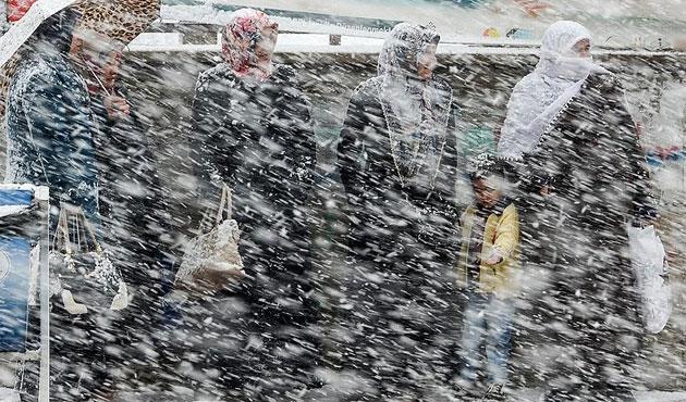 Kar bekleniyor, sıcaklıklar 10 derece düşecek