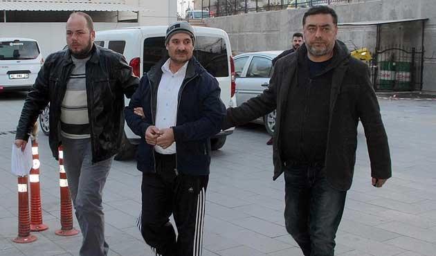 İzmir'de FETÖ operasyonu; 52 gözaltı