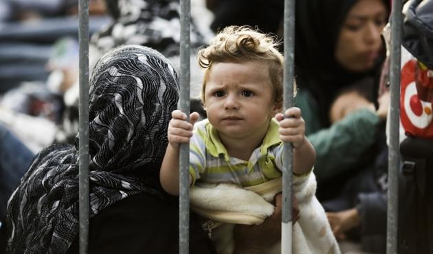 AB'ye 'sığınmacı çocukların haklarını ihlal etmeyin' çağrısı