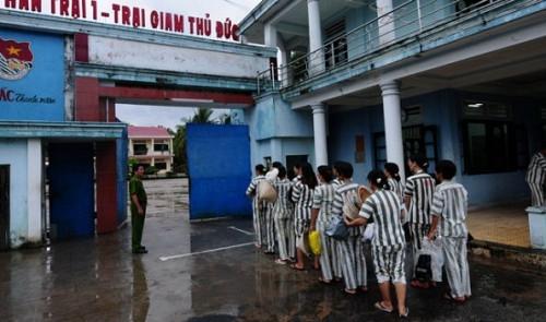 Vietnam'da binlerce mahkuma af