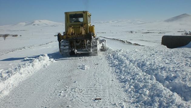 Doğu Anadolu donuyor; 707 köy yolu kapandı