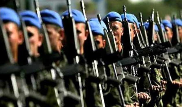 Asteğmenler 'mavi bere' taktı