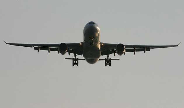 Çin'de uçaklar 15 dakikada bir konum bildirecek