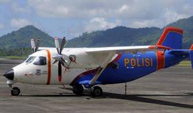 Endonezya'da polis helikopteri denize düştü