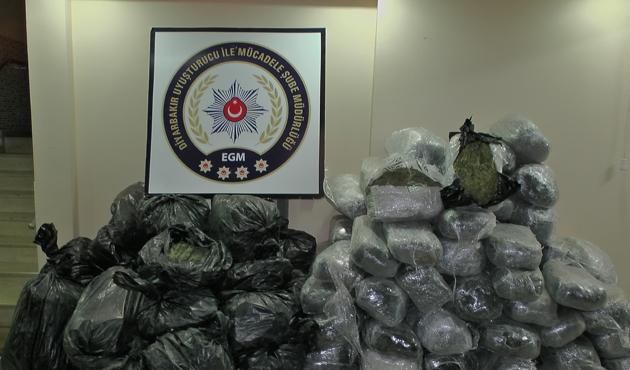 Diyarbakır'da 554 kilo 800 gram esrar ele geçirildi