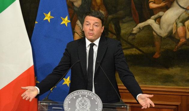İtalya'da referandum yenilgisi başbakana istifa getirdi