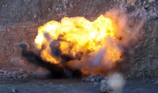 Bombalı araçta ele geçirilen patlayıcı imha edildi